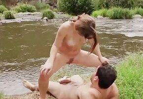 Xvideos bebada meia-irmã dando no acampamento